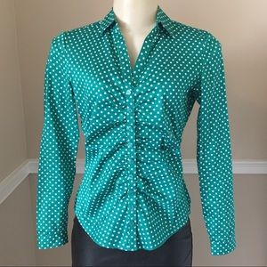 🧤 Green Form Fitting Polka Dot Blouse 🧤